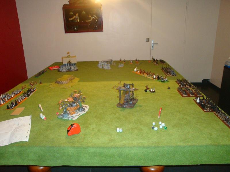 Table de jeu et décors (maison de fondcombe,echafodage ...) Dsc05615