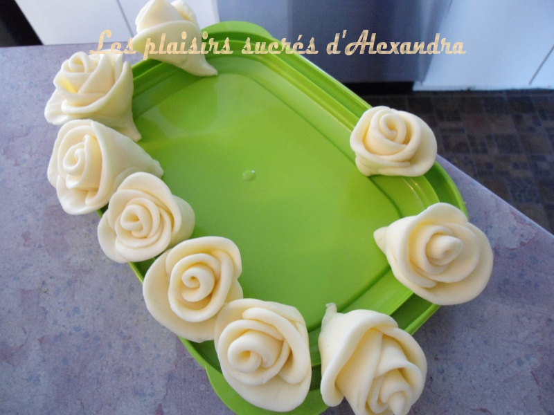 Mes roses en sucre (fondant) Roses_12