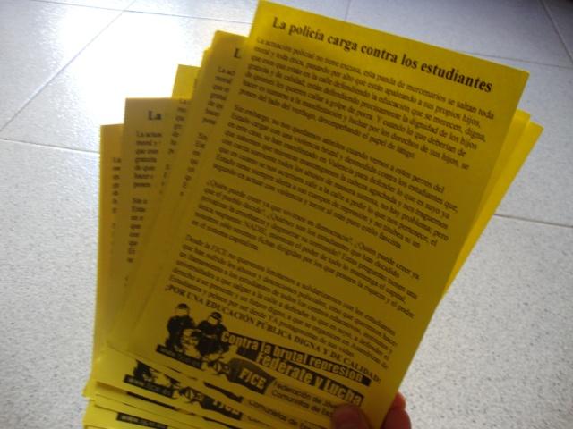 [FJCE] Ante las cargas de Valencia; el Estado opresor se quita la máscara  Dsc01111