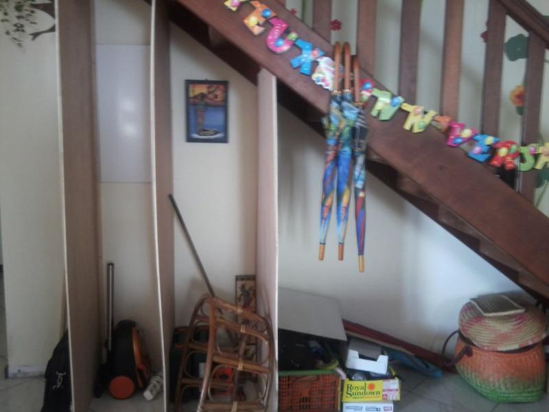 Aménager sous un escalier ..  COCO et bricolos, question please en p2 - Page 2 Photo039