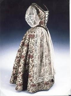 Robe de l'impératrice Elisabeth d'Autriche ( Sissi ) 04_hun11