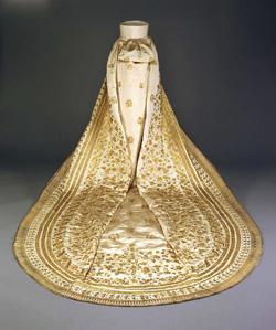 Robe de l'impératrice Elisabeth d'Autriche ( Sissi ) 10032610
