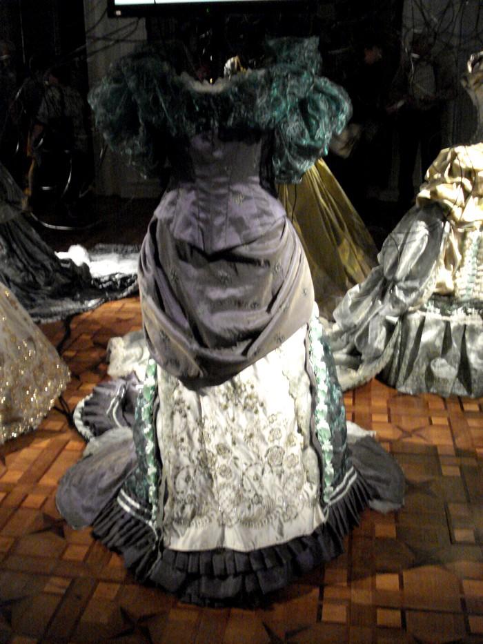 Robe de l'impératrice Elisabeth d'Autriche ( Sissi ) 10101111