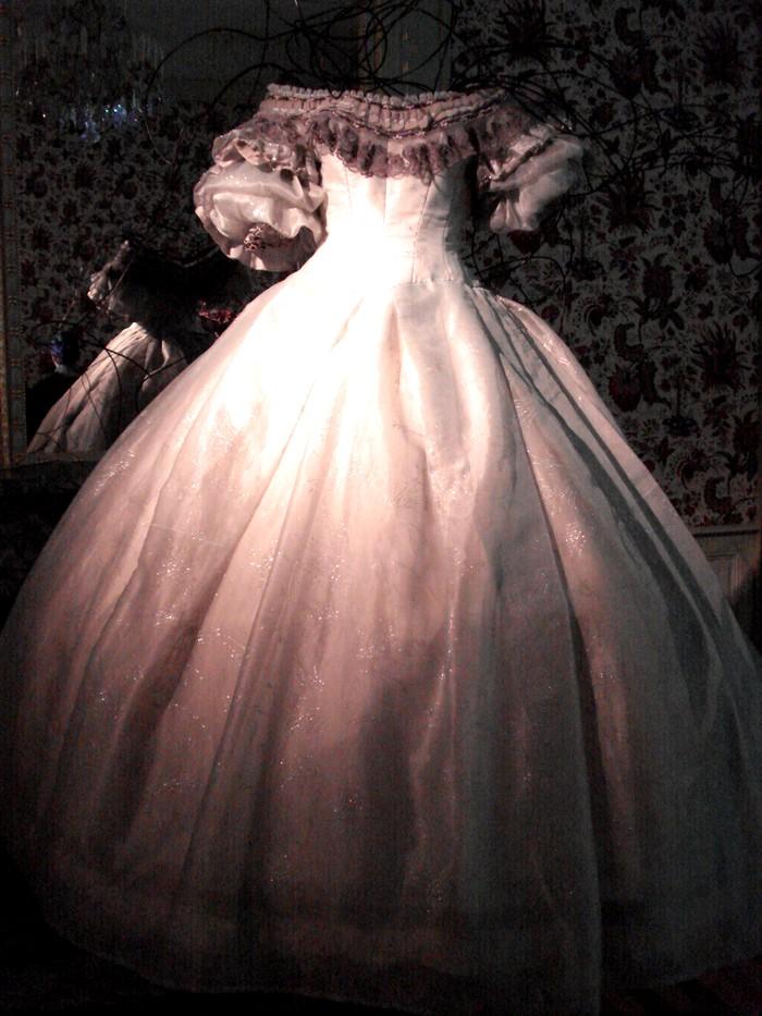 Robe de l'impératrice Elisabeth d'Autriche ( Sissi ) 10101112