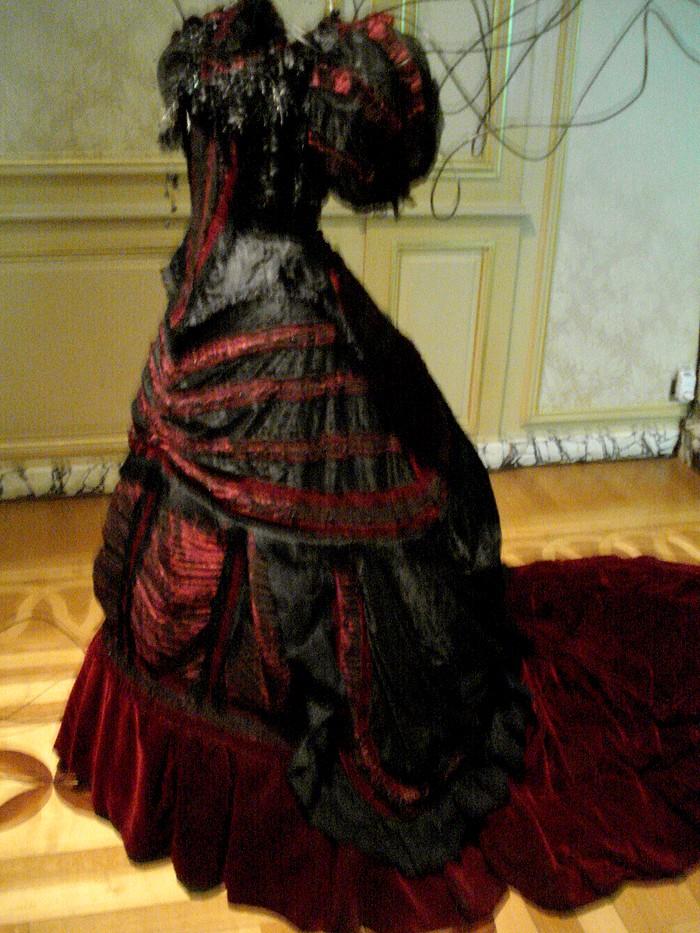Robe de l'impératrice Elisabeth d'Autriche ( Sissi ) 10101114