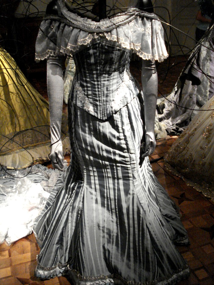 Robe de l'impératrice Elisabeth d'Autriche ( Sissi ) 10101115