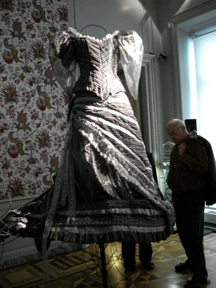 Robe de l'impératrice Elisabeth d'Autriche ( Sissi ) 10101120