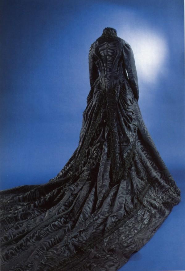 Robe de l'impératrice Elisabeth d'Autriche ( Sissi ) 10110312