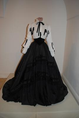 Robe de l'impératrice Elisabeth d'Autriche ( Sissi ) 1a1011