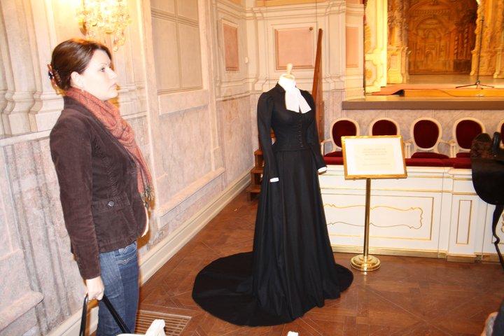 Robe de l'impératrice Elisabeth d'Autriche ( Sissi ) 22438110