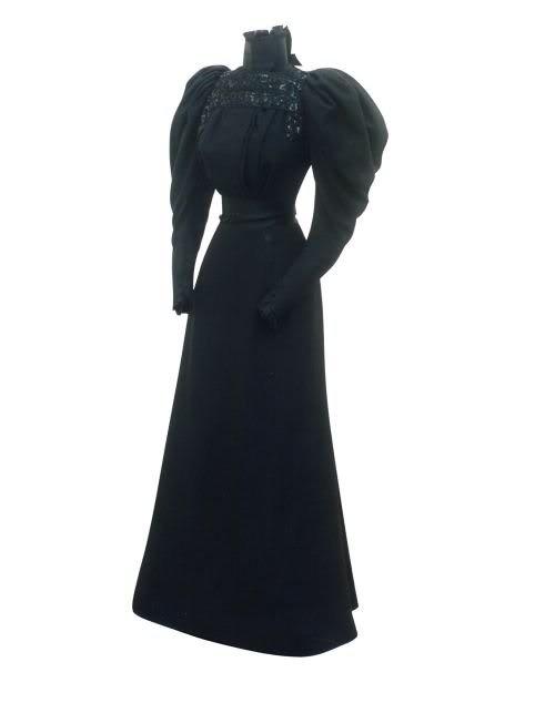 Robe de l'impératrice Elisabeth d'Autriche ( Sissi ) 23lywd10