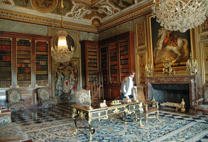 Les châteaux Parisiens 25048010