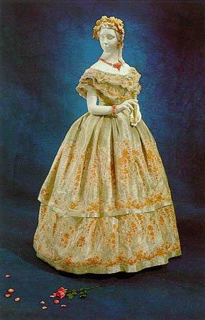 Robe de l'impératrice Elisabeth d'Autriche ( Sissi ) 25465610
