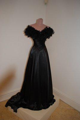 Robe de l'impératrice Elisabeth d'Autriche ( Sissi ) 25468011