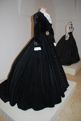 Robe de l'impératrice Elisabeth d'Autriche ( Sissi ) 2c1011