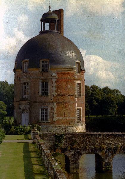 Les Chateaux de l'Orne 420px-11