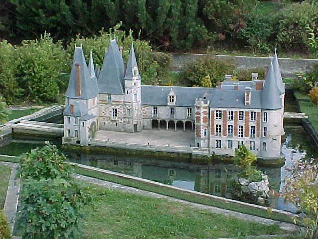 Les Chateaux de l'Orne 47720-12