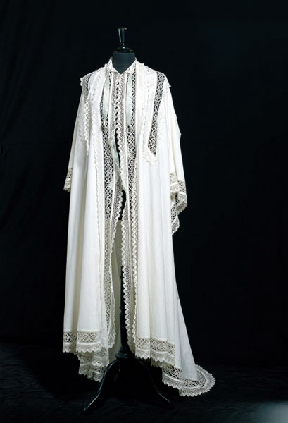 Robe de l'impératrice Elisabeth d'Autriche ( Sissi ) 53769110