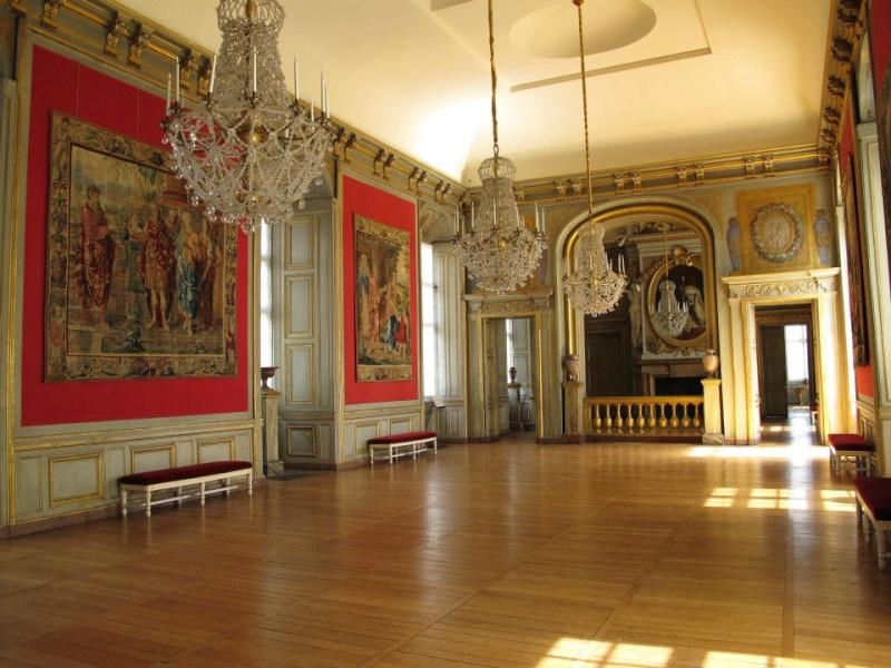 Les châteaux Parisiens 55256410
