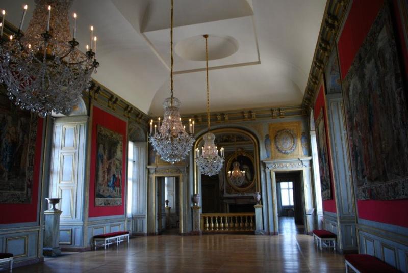 Les châteaux Parisiens 56069710