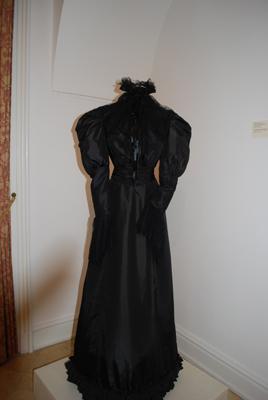 Robe de l'impératrice Elisabeth d'Autriche ( Sissi ) 6a1011