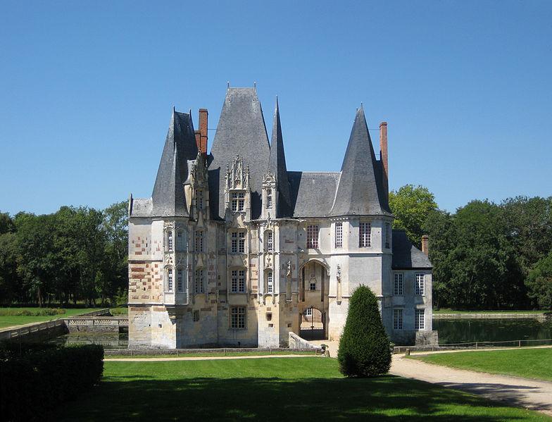 Les Chateaux de l'Orne 784px-10