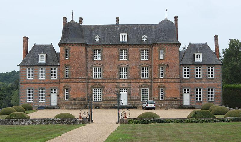 Les Chateaux de l'Orne 800px-50