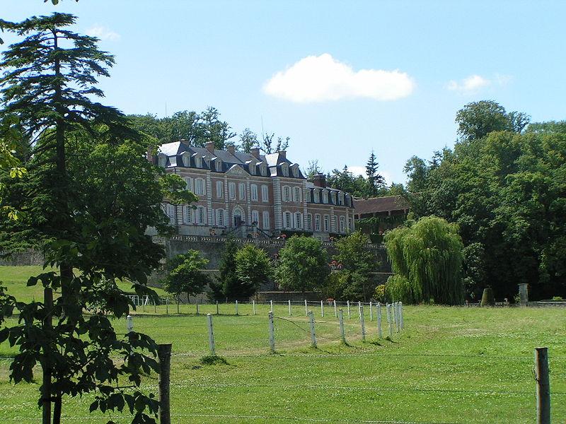 Les Chateaux de l'Orne 800px-51