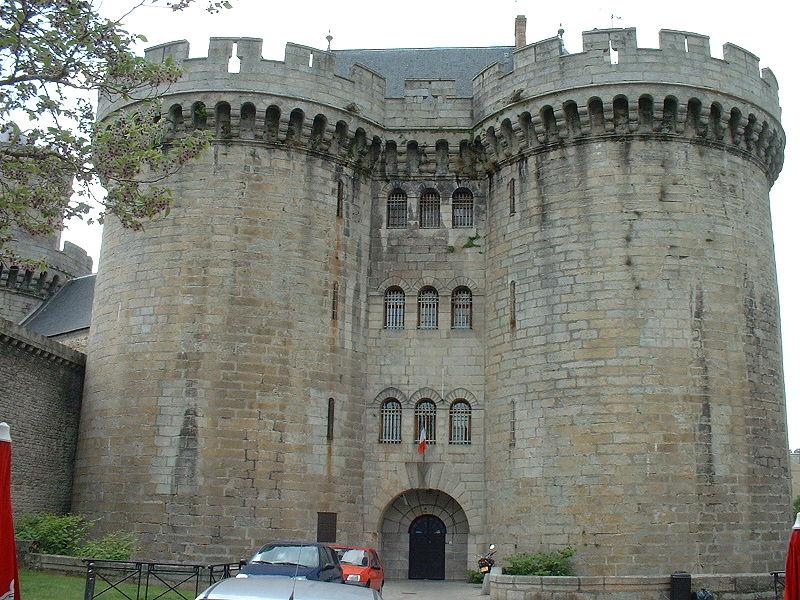 Les Chateaux de l'Orne 800px-53