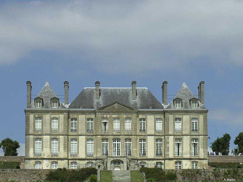 Les Chateaux de l'Orne 800px-62