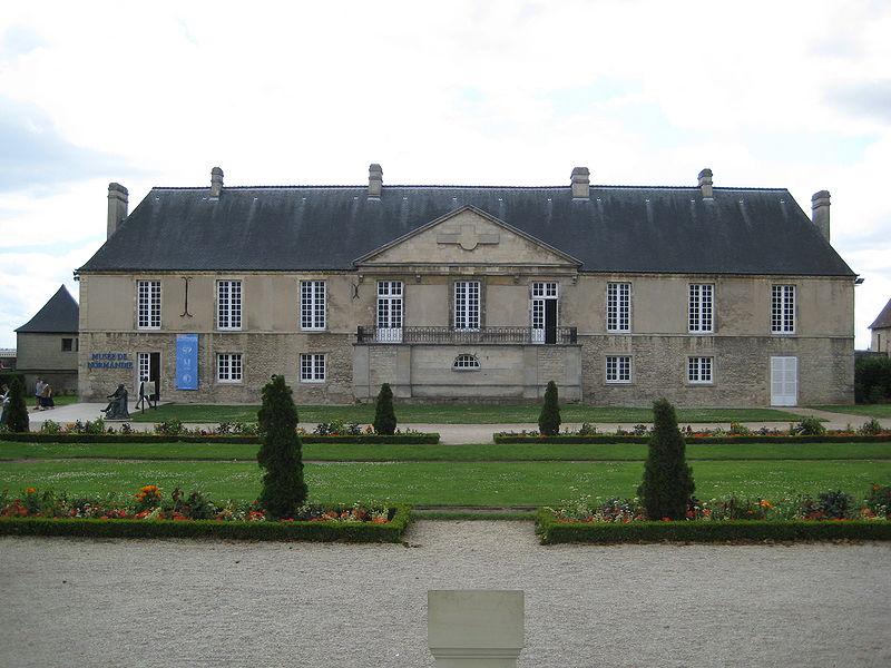 Les chateaux du Calvados 800px179