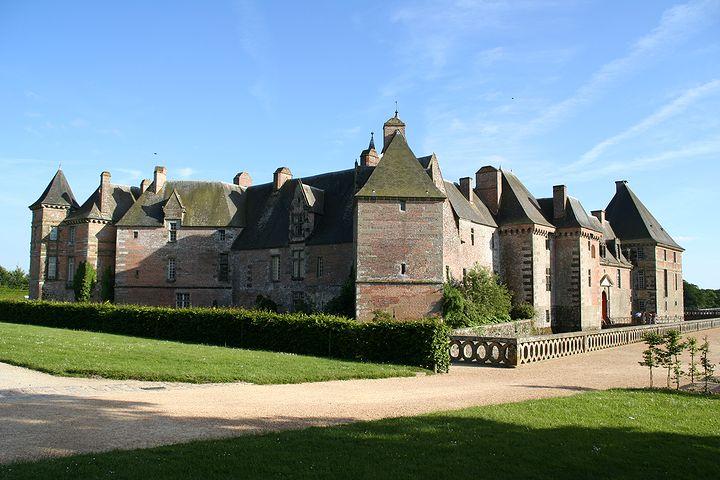Les Chateaux de l'Orne Chatea24