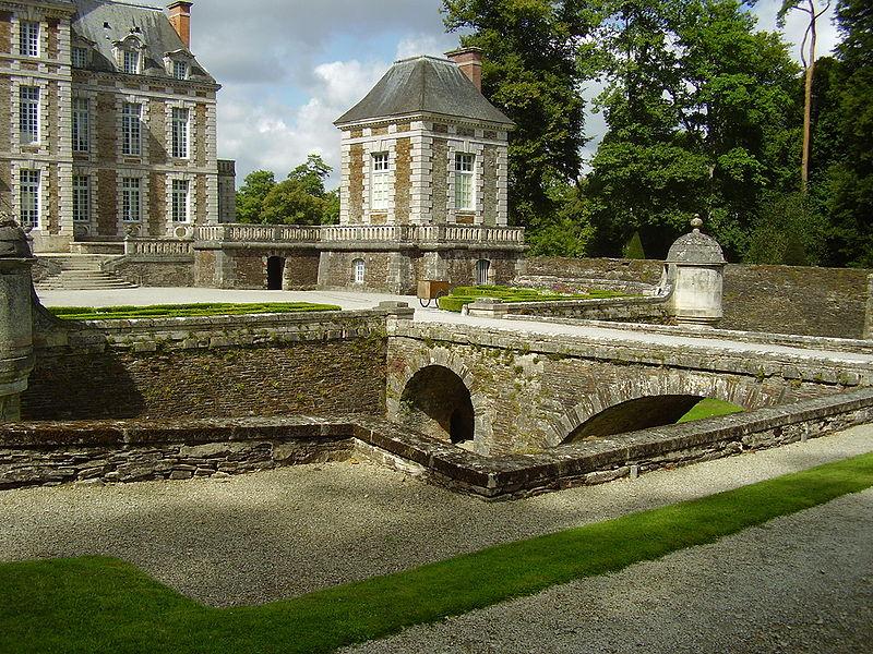 Les chateaux du Calvados Douves10