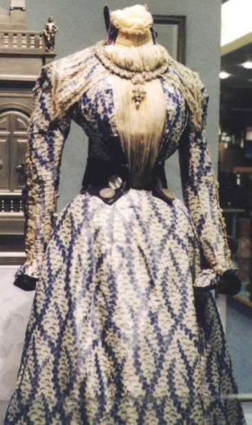 Robe de l'impératrice Elisabeth d'Autriche ( Sissi ) Kleid110