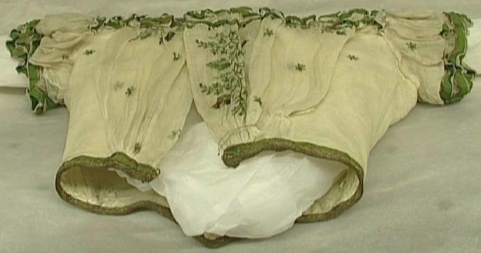Robe de l'impératrice Elisabeth d'Autriche ( Sissi ) Pdvd_010