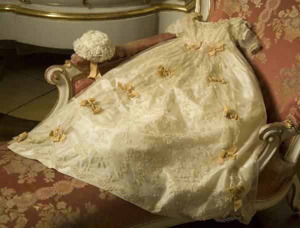 Robe de l'impératrice Elisabeth d'Autriche ( Sissi ) Taufkl10