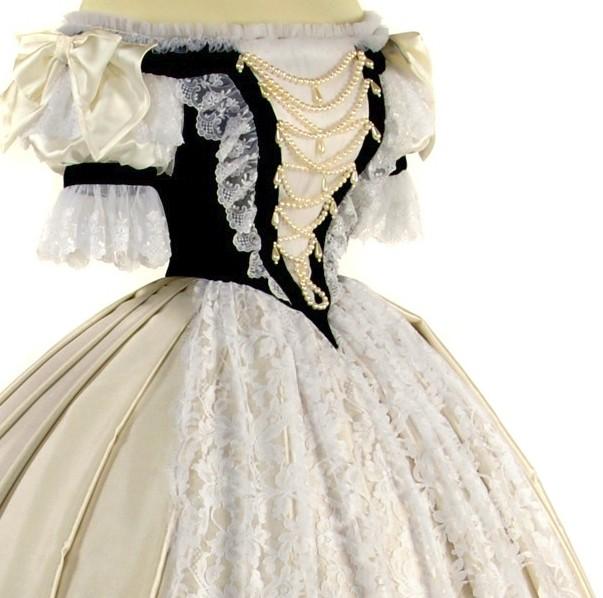 Robe de l'impératrice Elisabeth d'Autriche ( Sissi ) Worth_10