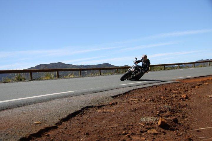 Balade à Moto dans le Sud de la Nouvelle-Calédonie 25470910
