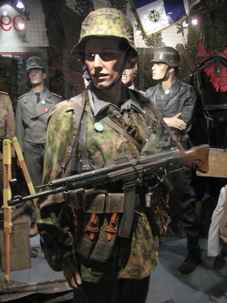 c'est un secret c'est le premier fusil d'assault c'est .... 10052910