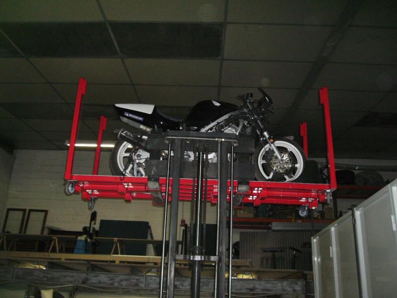 Plateforme de travail gerbable et bloc roue (idéal piste) Bild0911