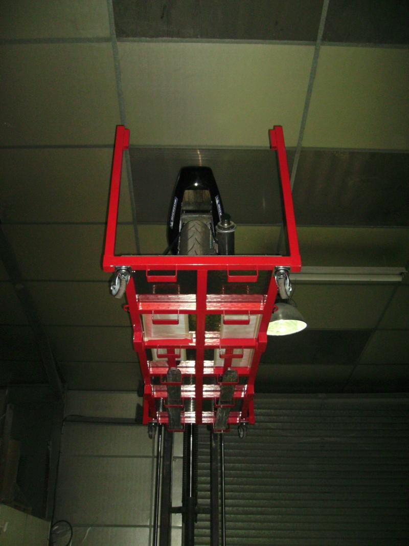 Plateforme de travail gerbable et bloc roue (idéal piste) Bild0912