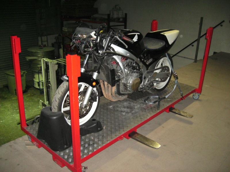 Plateforme de travail gerbable et bloc roue (idéal piste) Bild0913