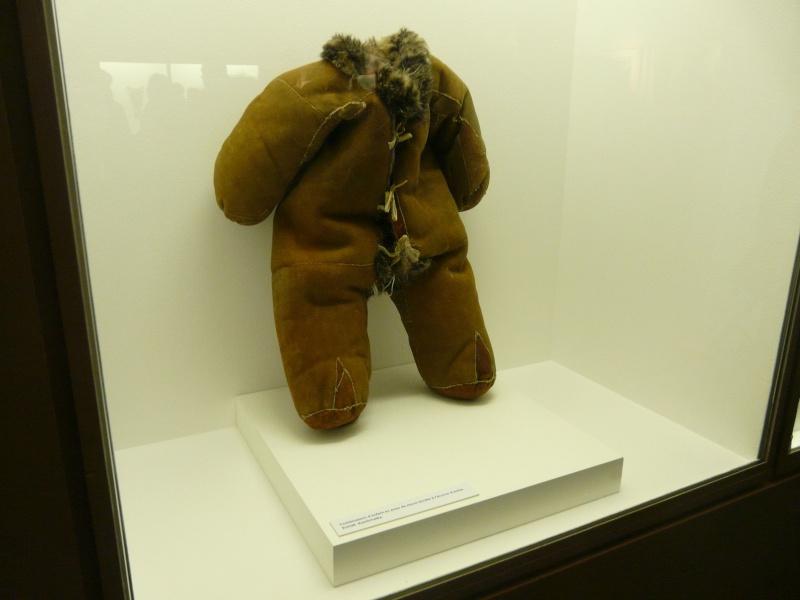 vêtements esquimau et porte bébés P1010110