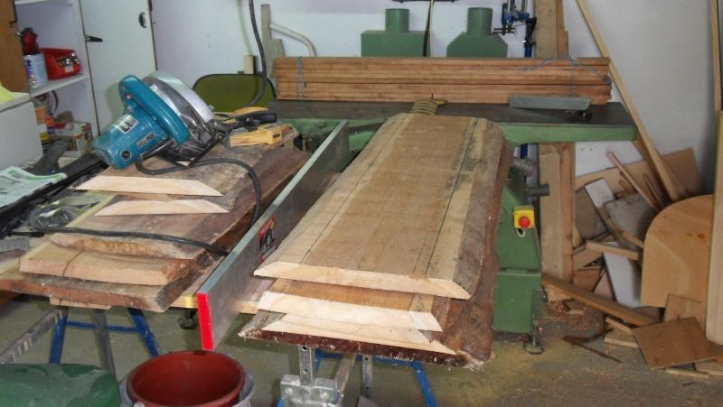 Fabrication d'une triple étagère pour une chambre Sdc13915