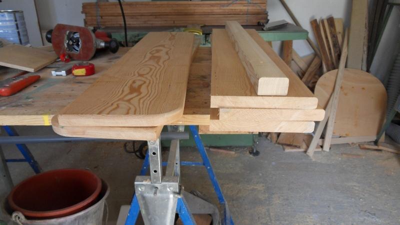 Fabrication d'une triple étagère pour une chambre Sdc13922