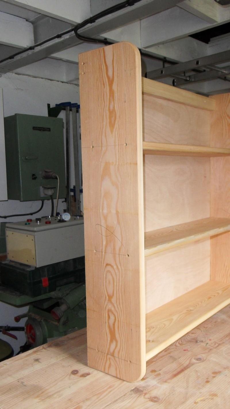 Fabrication d'une triple étagère pour une chambre Sdc13924