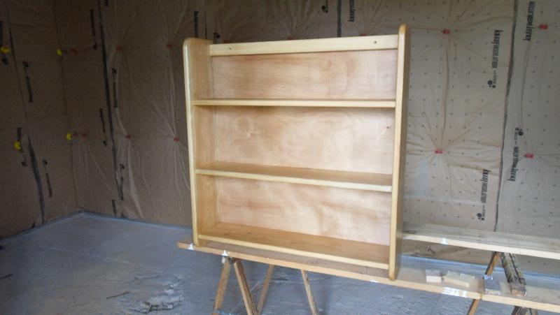 Fabrication d'une triple étagère pour une chambre Sdc13930