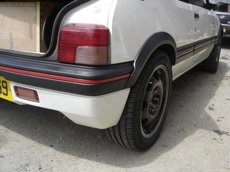 Peugeot 205 GTI 1900 130 CV de 1988 - Page 5 Dsc00612