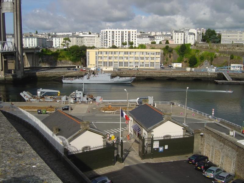 [Vie des ports] BREST Ports et rade - Volume 001 - Page 6 Dsc02110