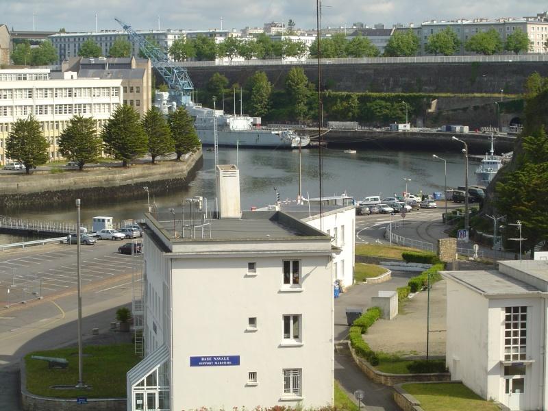 [Vie des ports] BREST Ports et rade - Volume 001 - Page 6 Dsc02112